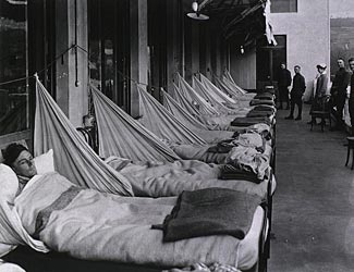 A US hospital ward during the Spanish Flu epidemic, 1918-1919.